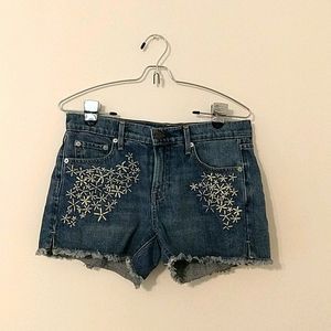 Gap Girlfriend Embroidered Jean Shorts size 26